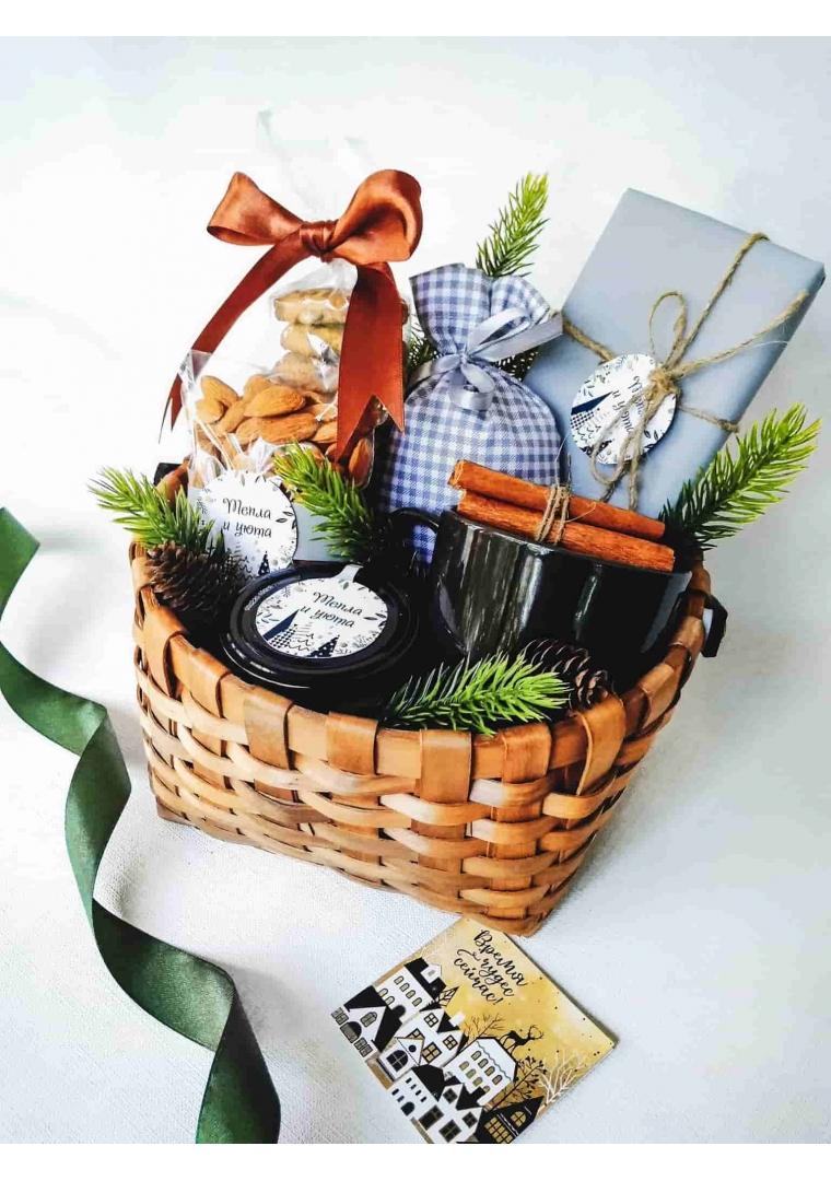 Подарочная корзина Подарок от Деда Мороза